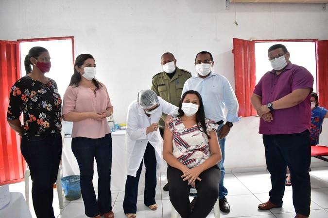 Campanha de vacinação contra a Covid-19 iniciou em Santa Rosa