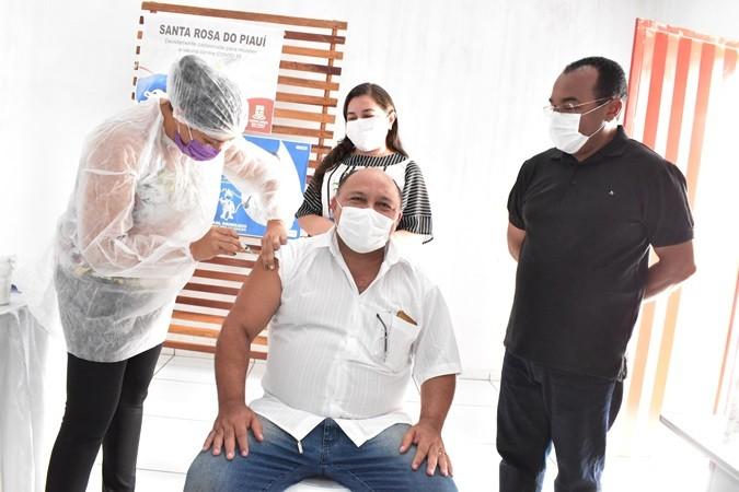 Santa Rosa do Piauí recebe vacina Astrazeneca