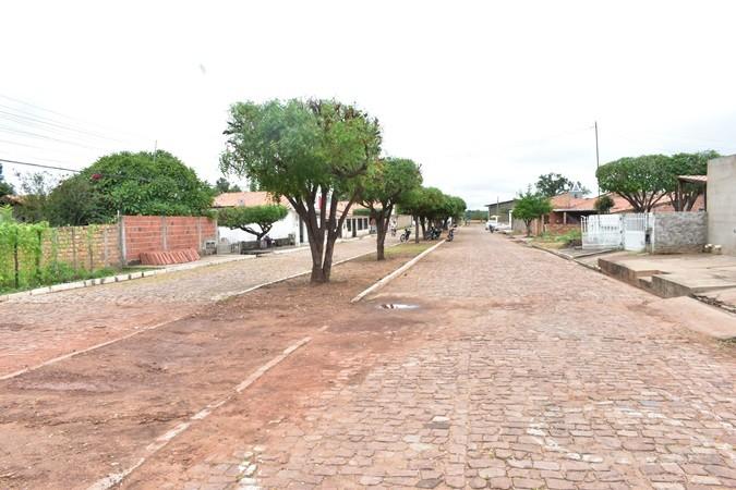Rua Boa Nova recebe serviços de limpeza