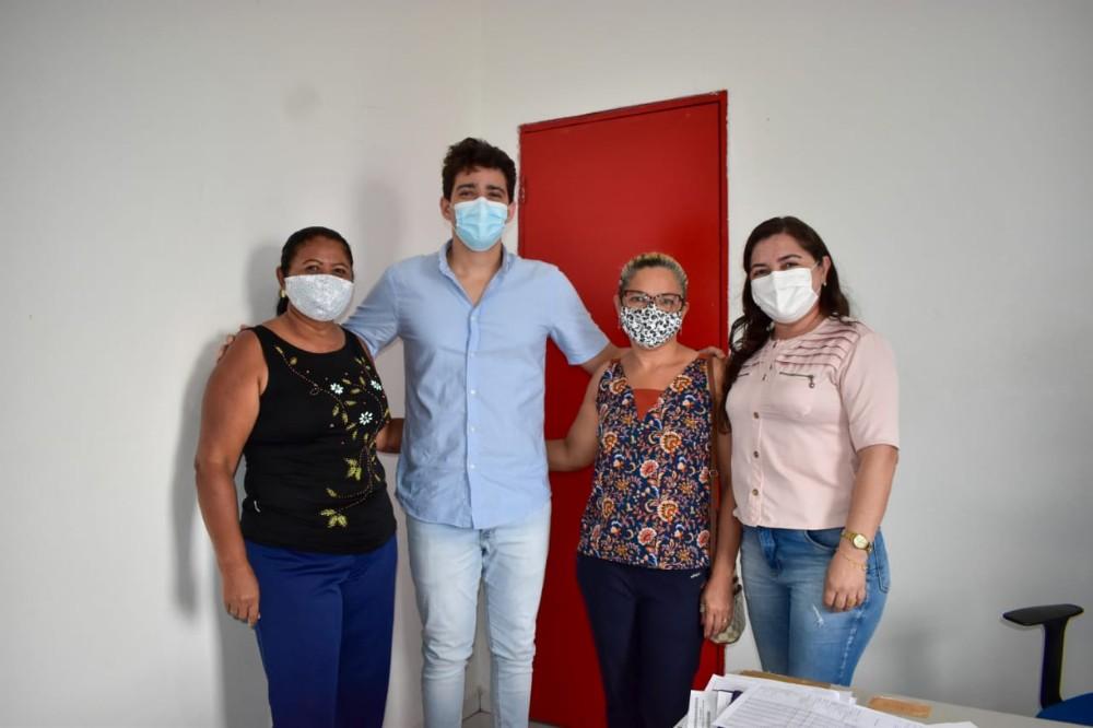 Secretaria de Saúde recepciona novo médico no município de Santa Rosa