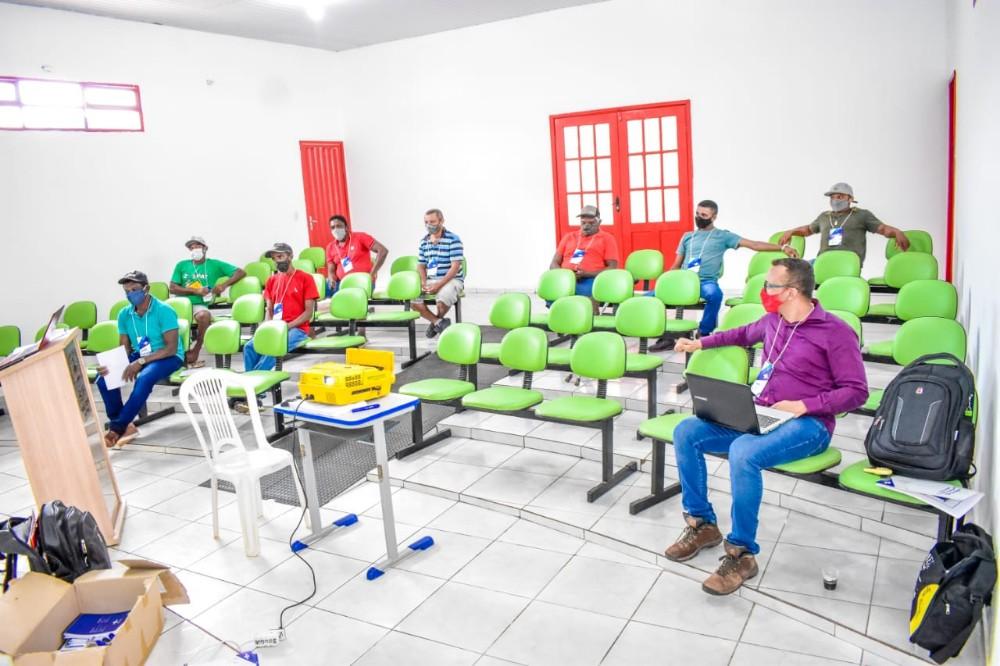 Secretaria de Agricultura oferece capacitação para incentivar a Apicultura no município de Santa Rosa