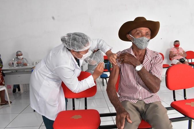 Prefeitura Santa Rosa inicia vacinação contra Covid-19 para idosos de 66 a 62 anos