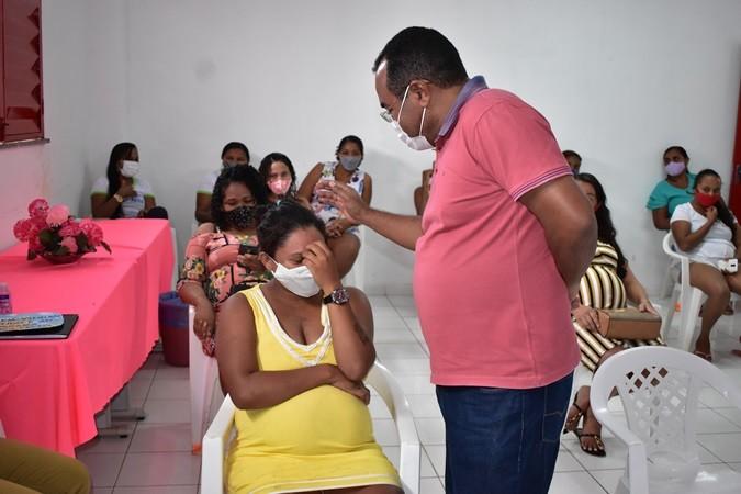 Prefeitura Municipal entrega kits de enxoval para gestantes do CRAS de Santa Rosa do Piauí