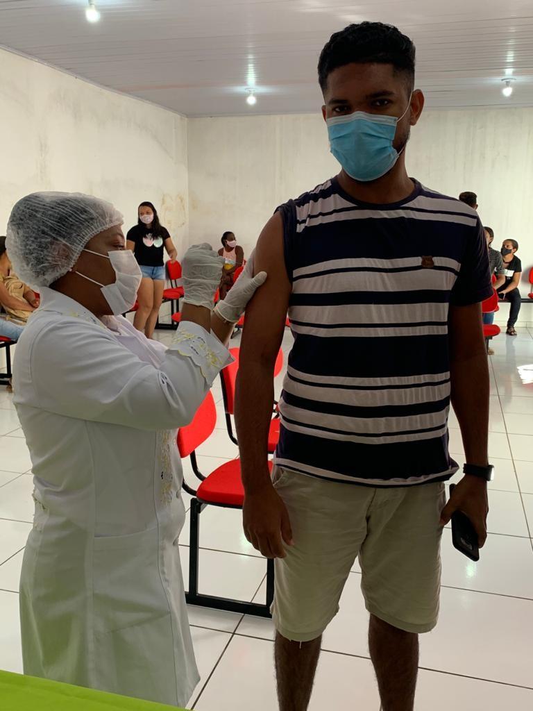 Professores em exercício da função são vacinados contra a gripe em Santa Rosa do Piauí