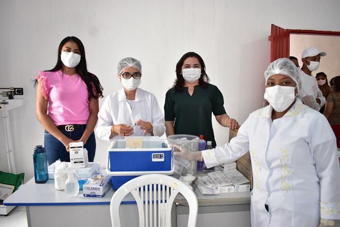 Em Santa Rosa, profissionais da Educação recebem 1ª dose da vacina contra a covid-19