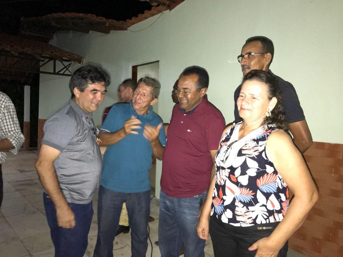 Prefeito e Lideranças Políticas em reunião com Lima