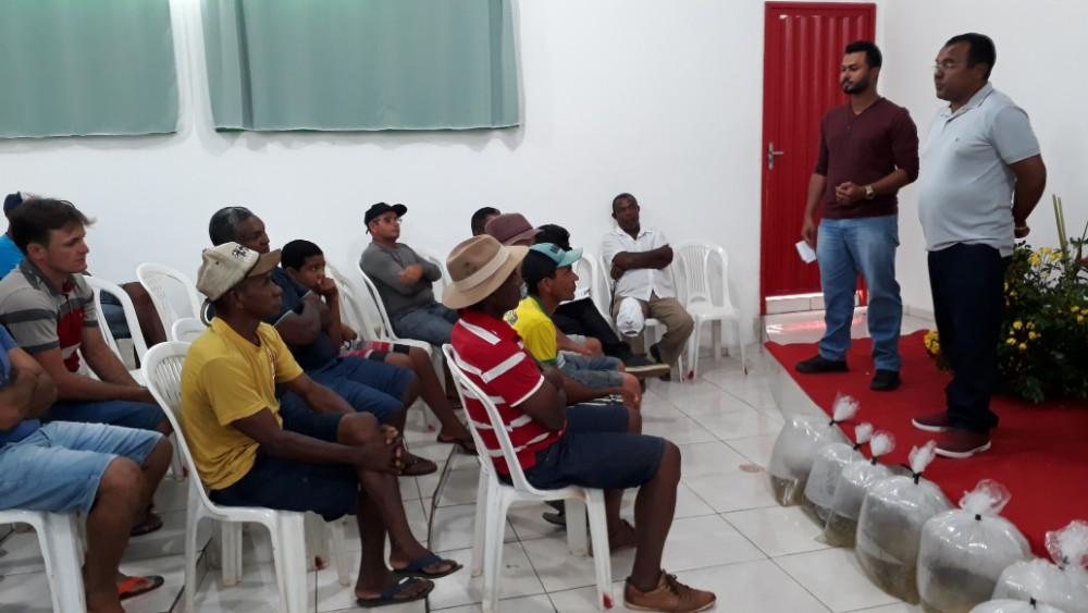 Prefeitura e SDR faz entrega de alevinos em Santa Rosa do Piauí