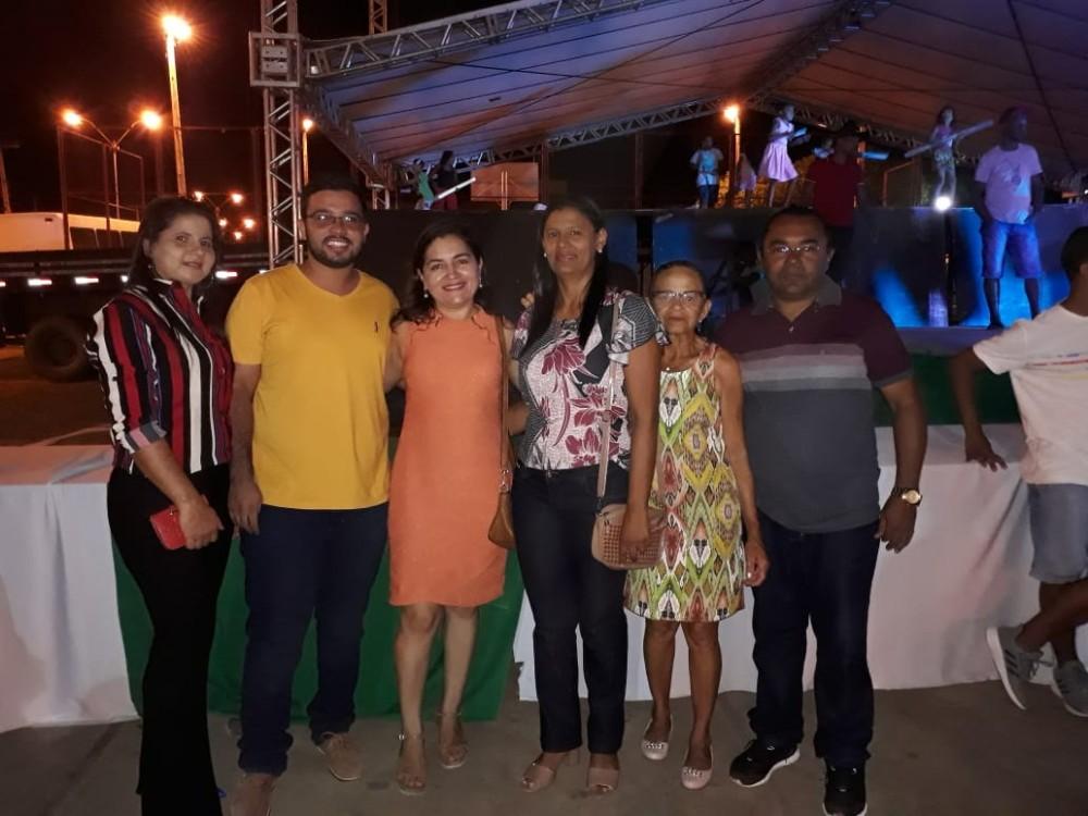 Forró da melhor idade abre segunda noite de festividades alusivas ao aniversário de Santa Rosa do Piauí.