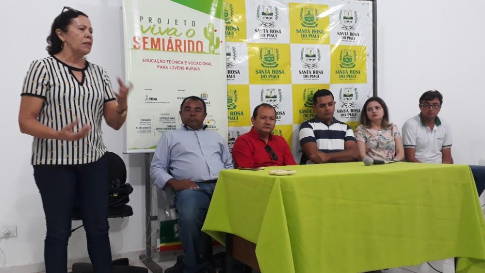 Prefeitura realiza curso de embelezamento em Santa Rosa