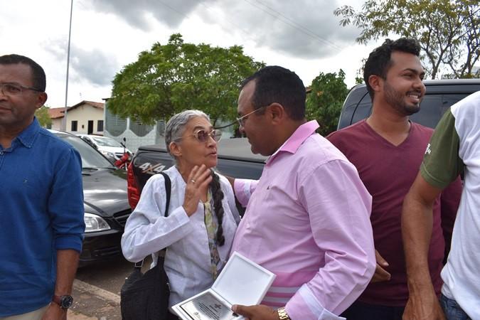 Após receber prêmio em Teresina prefeito Veríssimo Siqueira é recepcionado em Santa Rosa por populares