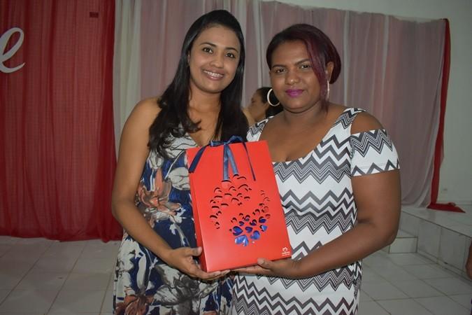 A Prefeitura Municipal de Santa Rosa realiza festa para os dias das mães