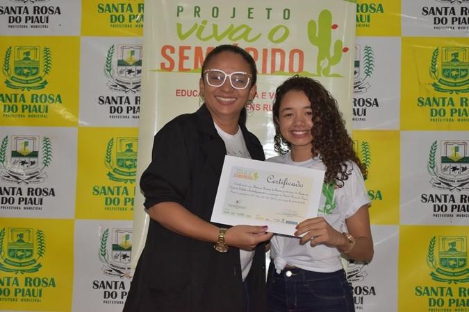 Secretaria de Juventude e Projeto Viva Semiárido encerra curso de embelezamento em Santa Rosa