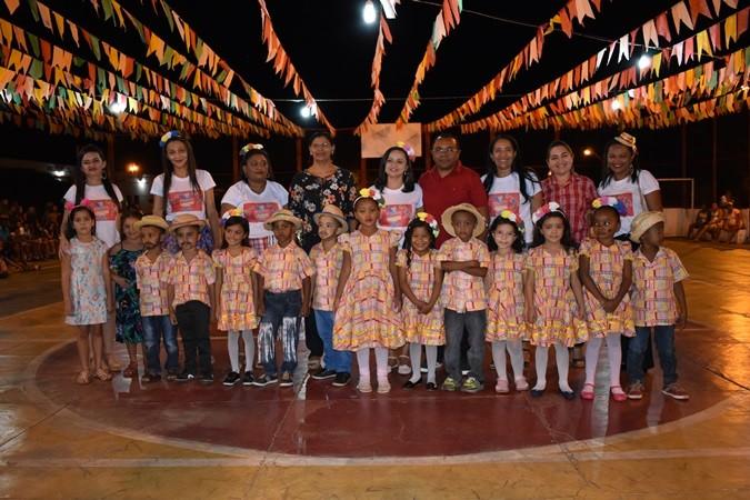Primeira noite do Festival Junino reúne centenas de pessoas em Santa Rosa