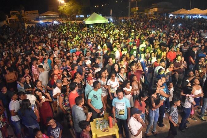 Shows de Meninos de Barão e Danilo Pegada animam segunda noite da AgroRosa