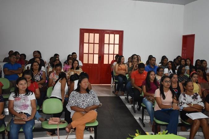 Secretaria de Educação realiza encontro pedagógico