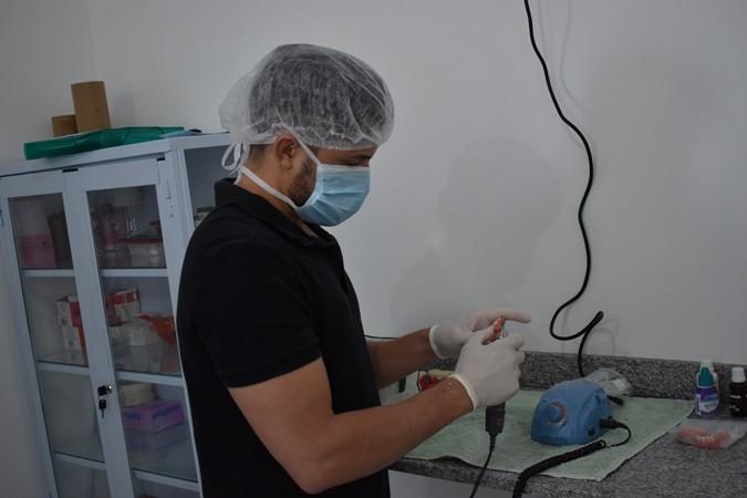 Secretaria de Saúde realiza entrega de próteses dentárias em Santa Rosa do Piauí