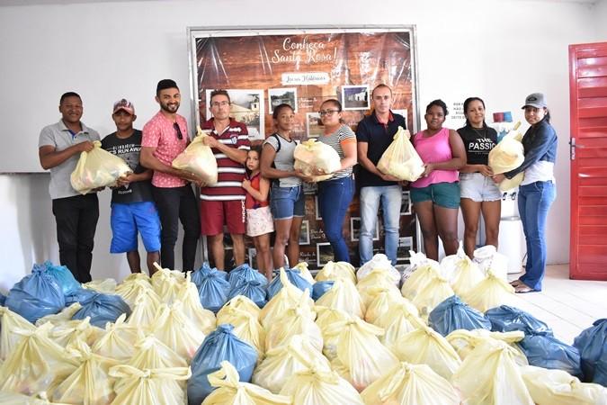 Secretaria de Juventude distribui cestas básicas para famílias carentes em Santa Rosa