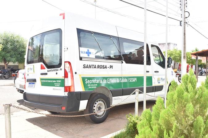 Saúde de Santa Rosa do Piauí recebe nova van para transporte de pacientes