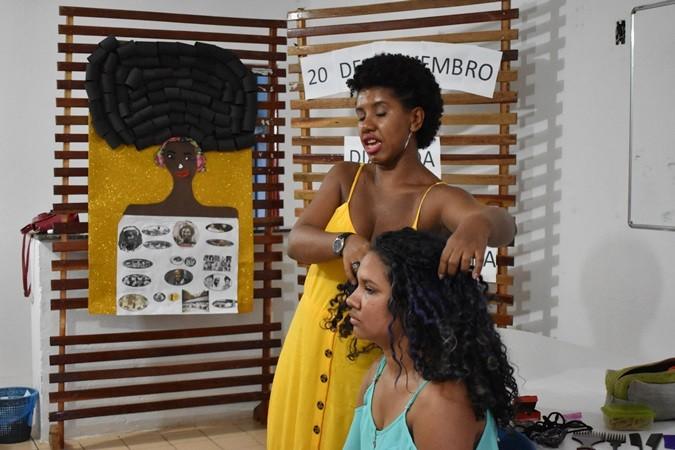 Dança Africana e Oficina de Penteados foram realizadas no dia da Consciência Negra em Santa Rosa