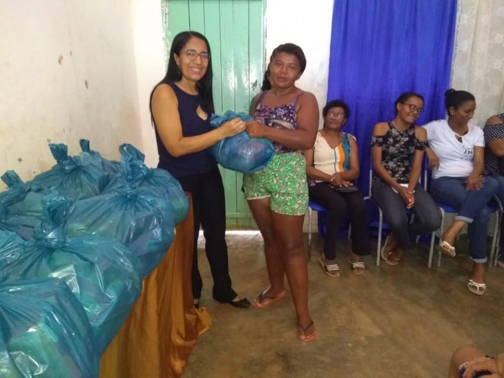 Famílias são beneficiadas com cestas no povoado Santana em Santa Rosa do Piauí