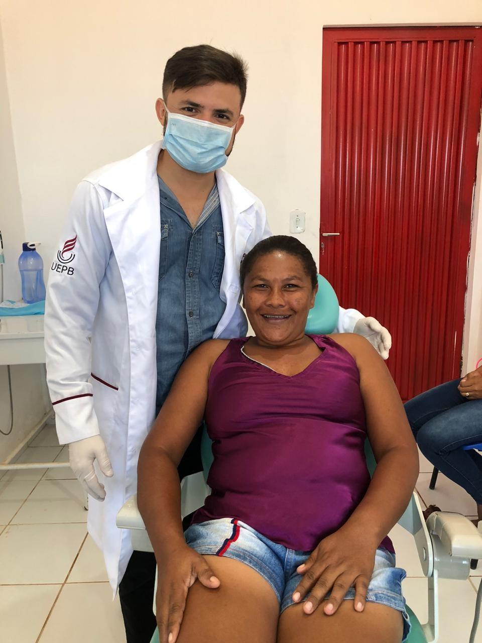 Ação odontológica com entrega de próteses dentárias foi realizada no Povoado Santana