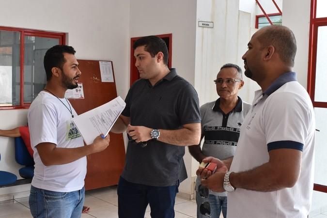 Prefeito Veríssimo recebe visita do diretor regional da Emater de Oeiras no município