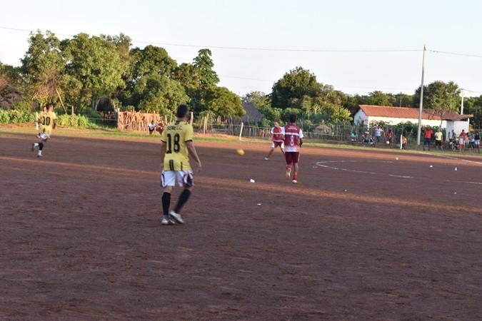 Seleção de Santa Rosa bate Sene na abertura do 9º Campeonato de Bom Princípio