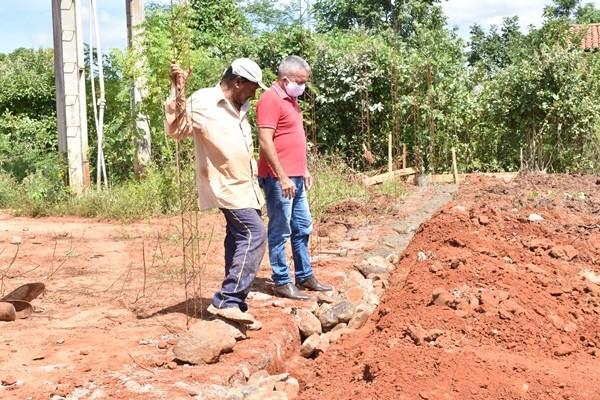 Construção de quadras esportivas e reforma de UBS está sendo realizadas em Santa Rosa do Piauí