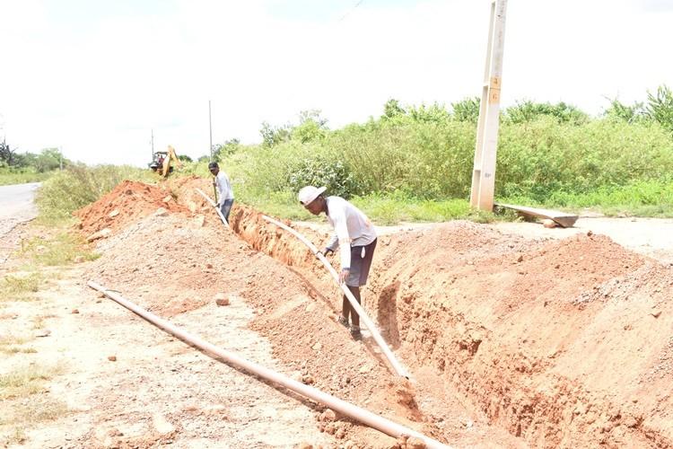 Prefeitura inicia obra de abastecimento de água em povoado Capitão de Campo, em Santa Rosa