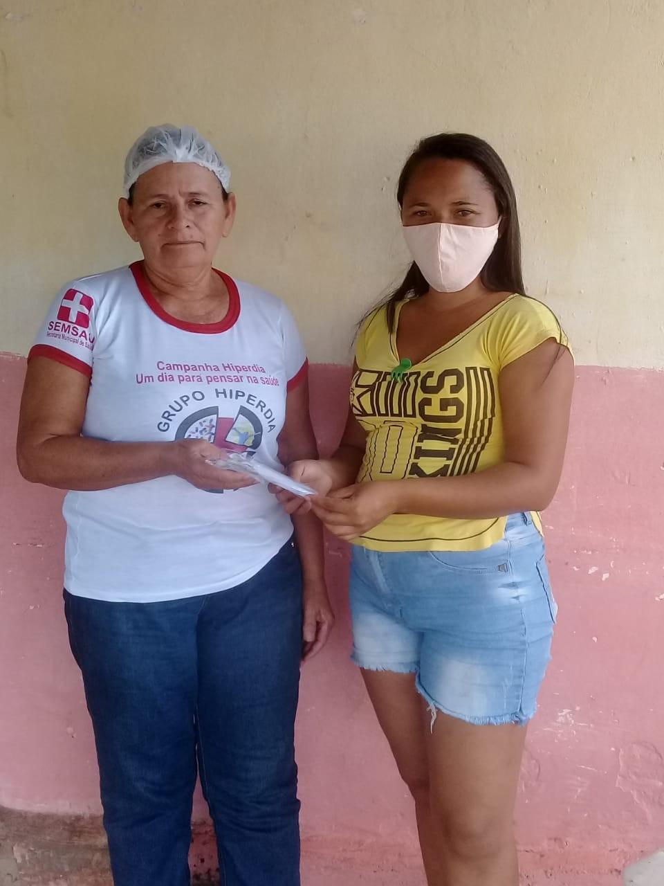 População da zona rural de Santa Rosa recebem máscaras de tecido