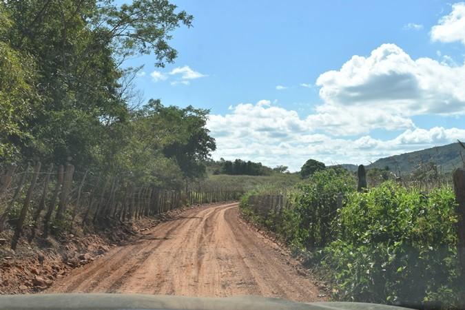 Prefeitura de Santa Rosa recupera estrada da Geroma