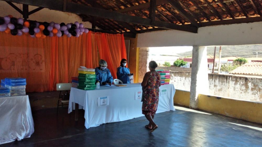 Cras realiza entrega de kits educativos para crianças do SCFV